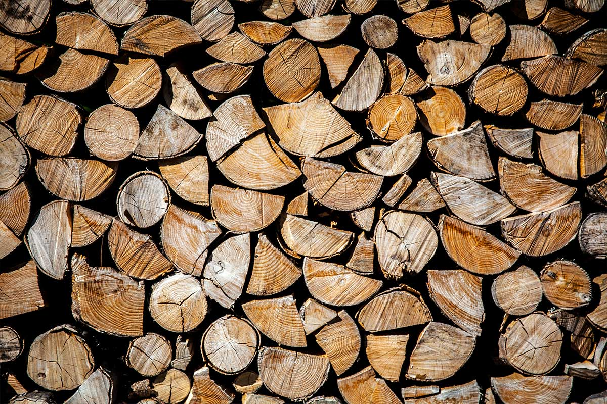 Bulk Firewood and Bark Nuggets in Edmonton